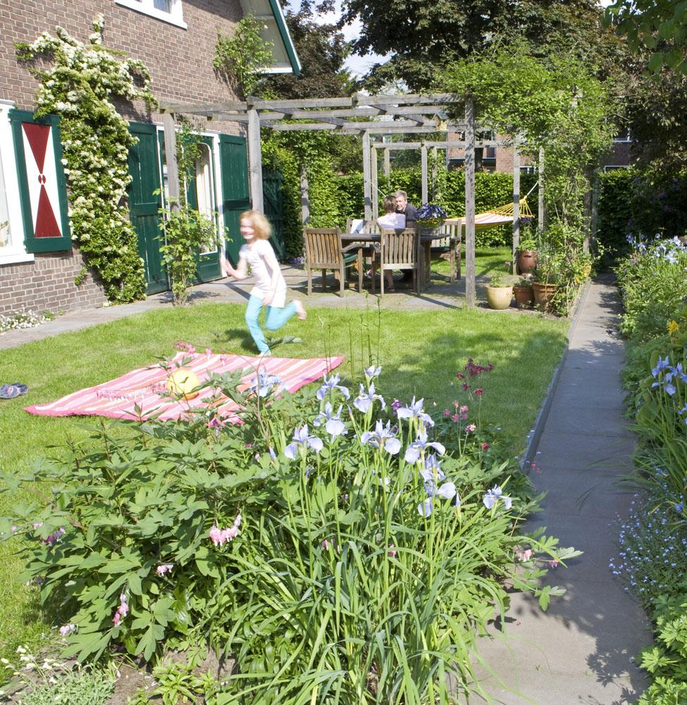 02 bloementuin in de stad amersfoort de weldam for Www bloem en tuin nl