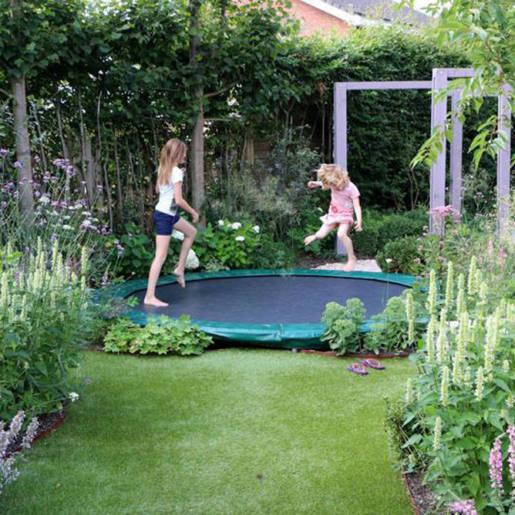 Romantische-speelse-tuin-met-tuinhuis-Wilp-03