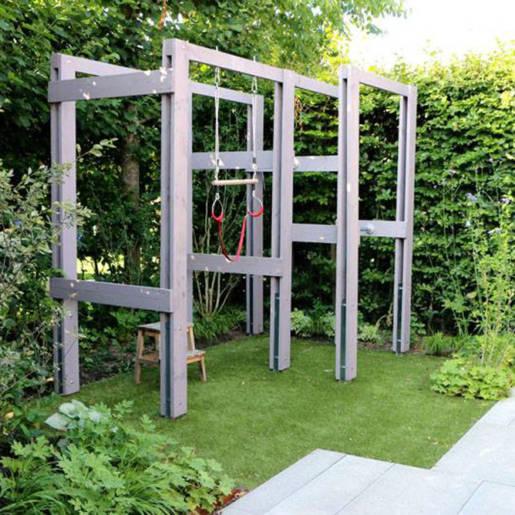 Romantische-speelse-tuin-met-tuinhuis-Wilp-11