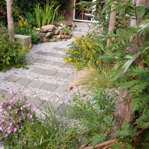 natuurlijke-tuin-met-gebruikte-materialen-Rotterdam-05-CP